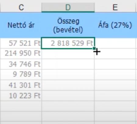 Excel képletek másolásához húzd az egeret a képlet jobb alsó sarka fölé (megjelenik egy + jel). Ezen kattints duplán.